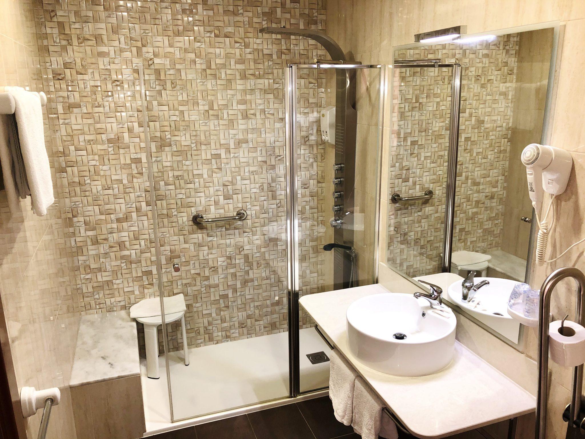 Baño Habitación Familiar