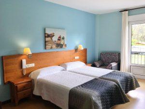 Habitación doble dos camas con balcón
